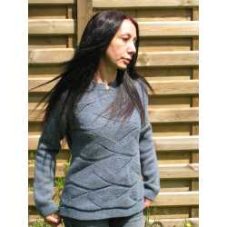 Split crew neck sweater, 100% extrafine virgin wool